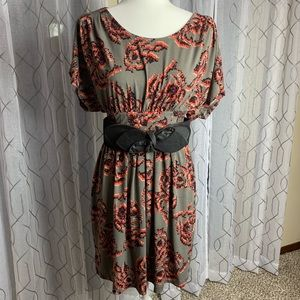 Elle Belted Dress Size Small